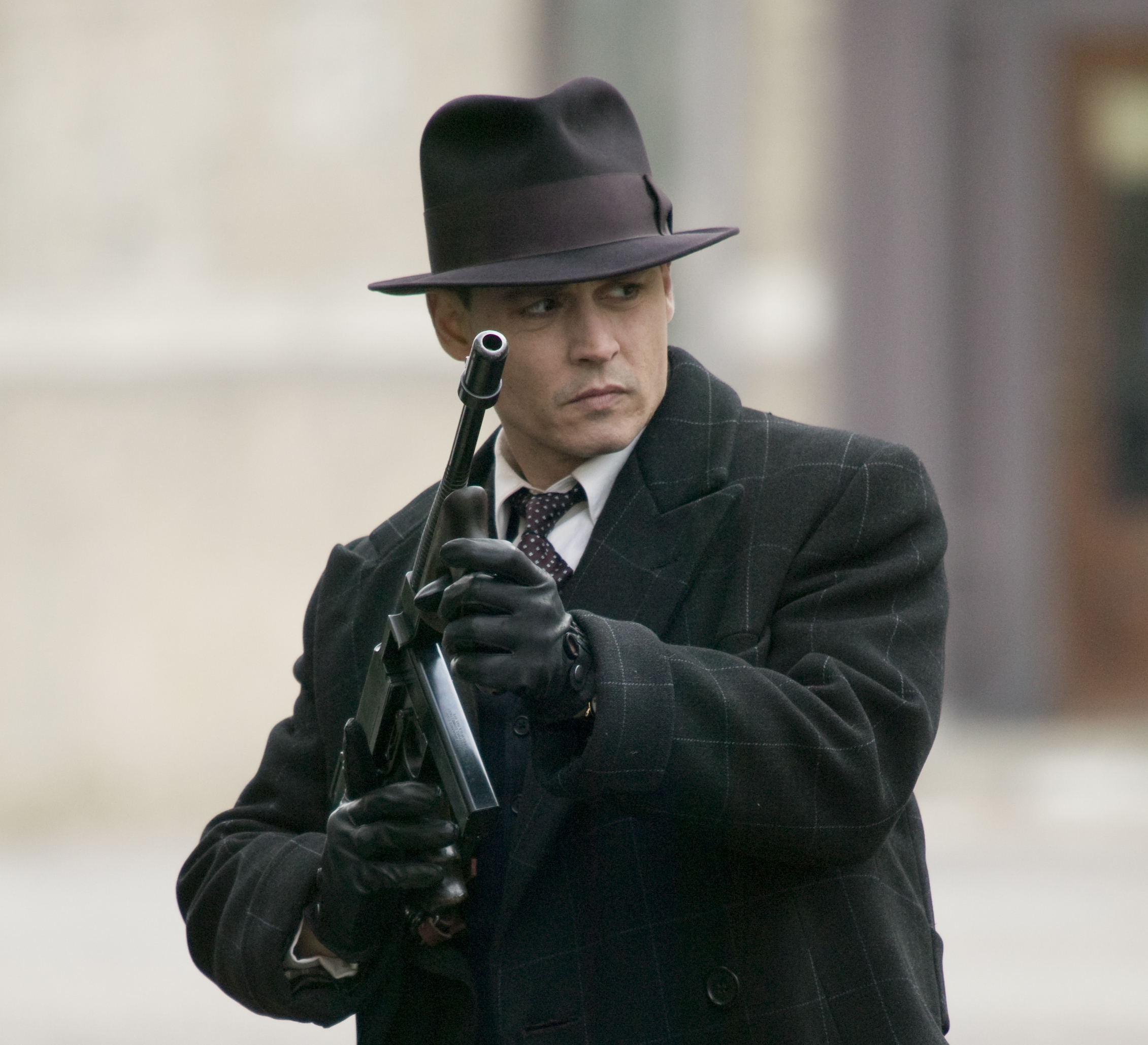 Public-Enemies-movie-stills-johnny-depp-5720722-2261-2058[1]